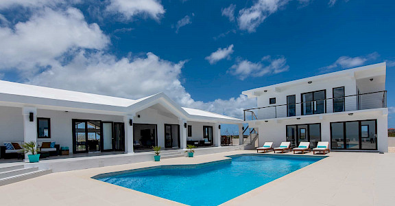 Eff 6 Anguilla Pool