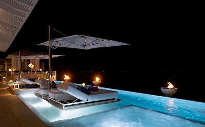 B Pool Night Mg
