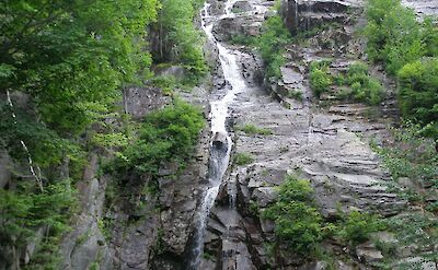 Crawford Notch Falls in New Hampshire. Flickr:JC