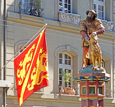 "Samson statue in Bern, Switzerland. Photo via Flickr:Dennis Jarvis <a href=""https://creativecommons.org/licenses/by-sa/2.0/"" target=""_blank"">CC BY-SA 2.0</a>"