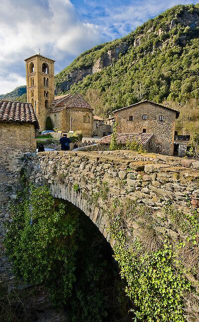 Bridge in Beget, Catalan Pyrenees, Spain. Flickr:SBA73