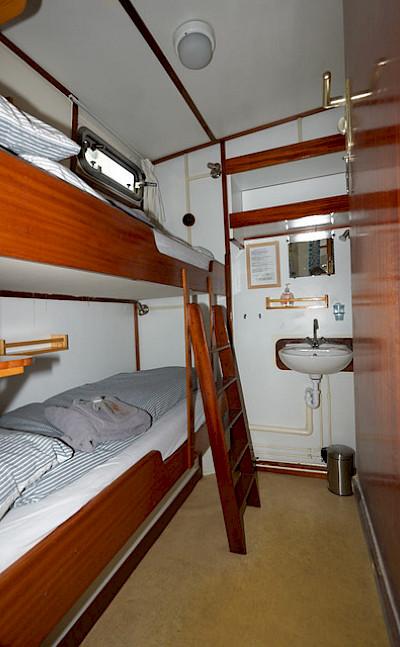 Feniks - Bunk Bed Cabin - Bike & Boat Tours
