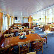 Dining area - Liza Marleen | Bike & Boat Tours
