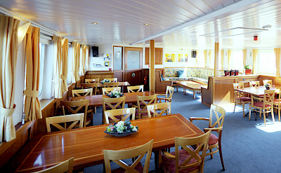 Dining area - Liza Marleen | Bike & Boat Tours