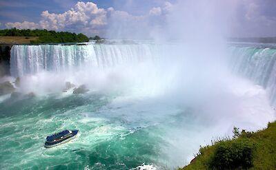 Niagara Falls in Canada. Flickr:Jiuguangwang