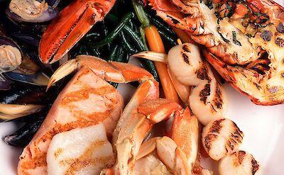 Seafood platter in Canada! Flickr:NWongpr