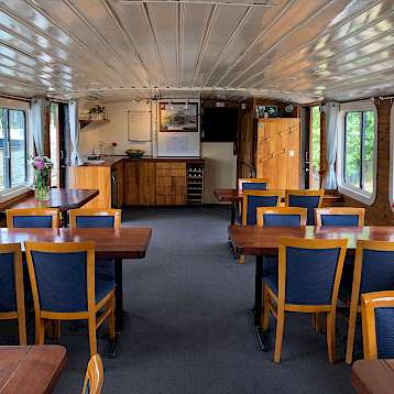 Clair de Lune - Dining area - Clair de Lune - Bike & Boat Tours