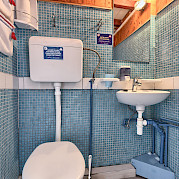 Cabin Bathroom - Tarin | Bike & Boat Tours
