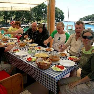 Tarin - Stern Deck Dining - Tarin | Bike & Boat Tours