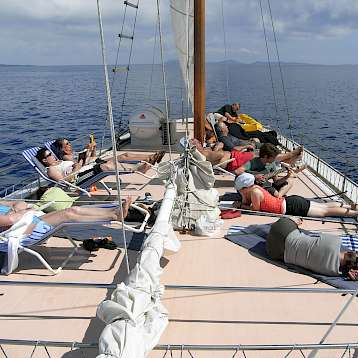Tarin - sun deck - Tarin