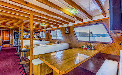 Dinning Area - Linda | Bike & Boat Tours