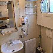 Bathroom | Allure | Bike & Boat Tours
