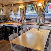 Lounge | Allure | Bike & Boat Tours