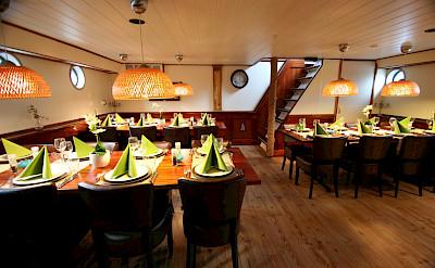 Dining | Fiep | Bike & Boat Tours