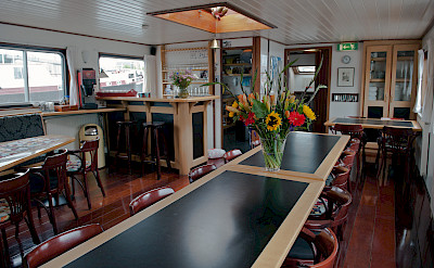 Saloon and dining area - Sarah | Bike & Boat Tours