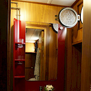 Private Bathroom | Vita Pugna | Bike & Boat Tour
