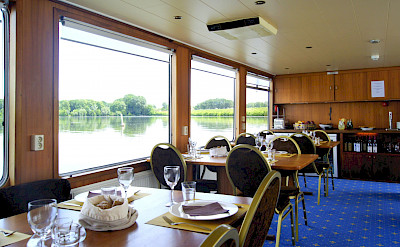 Dining Area | Vita Pugna | Bike & Boat Tour