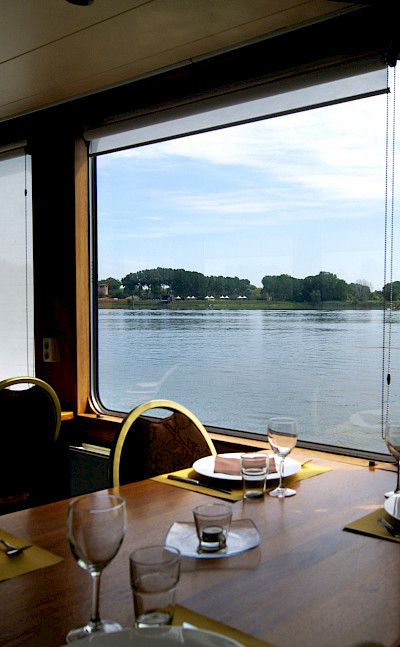 Wine & Dine | Vita Pugna | Bike & Boat Tour