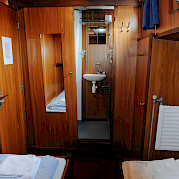 Twin Cabin & Bathroom | Vita Pugna | Bike & Boat Tour