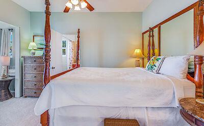 Front St Lahaina Hi Bedroom 2