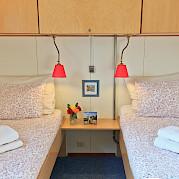 Twin cabin on board the Fleur