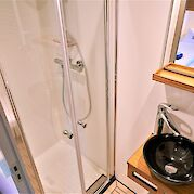 Private bathrooms with showers | Iris | Bike & Boat Tours