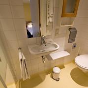Bathroom on the Merlijn