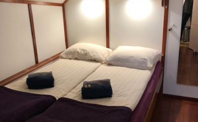 Double bed cabin | Zwaan | Bike & Boat Tours