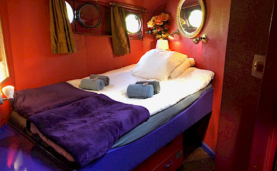 Front double cabin which can be booked as a single | Zwaan | Bike & Boat Tours