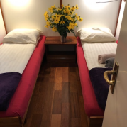 Twin bed cabin | Zwaan | Bike & Boat Tours