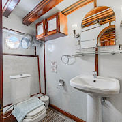 Cabin bathroom | Bahriyeli | Bike & Boat Tours