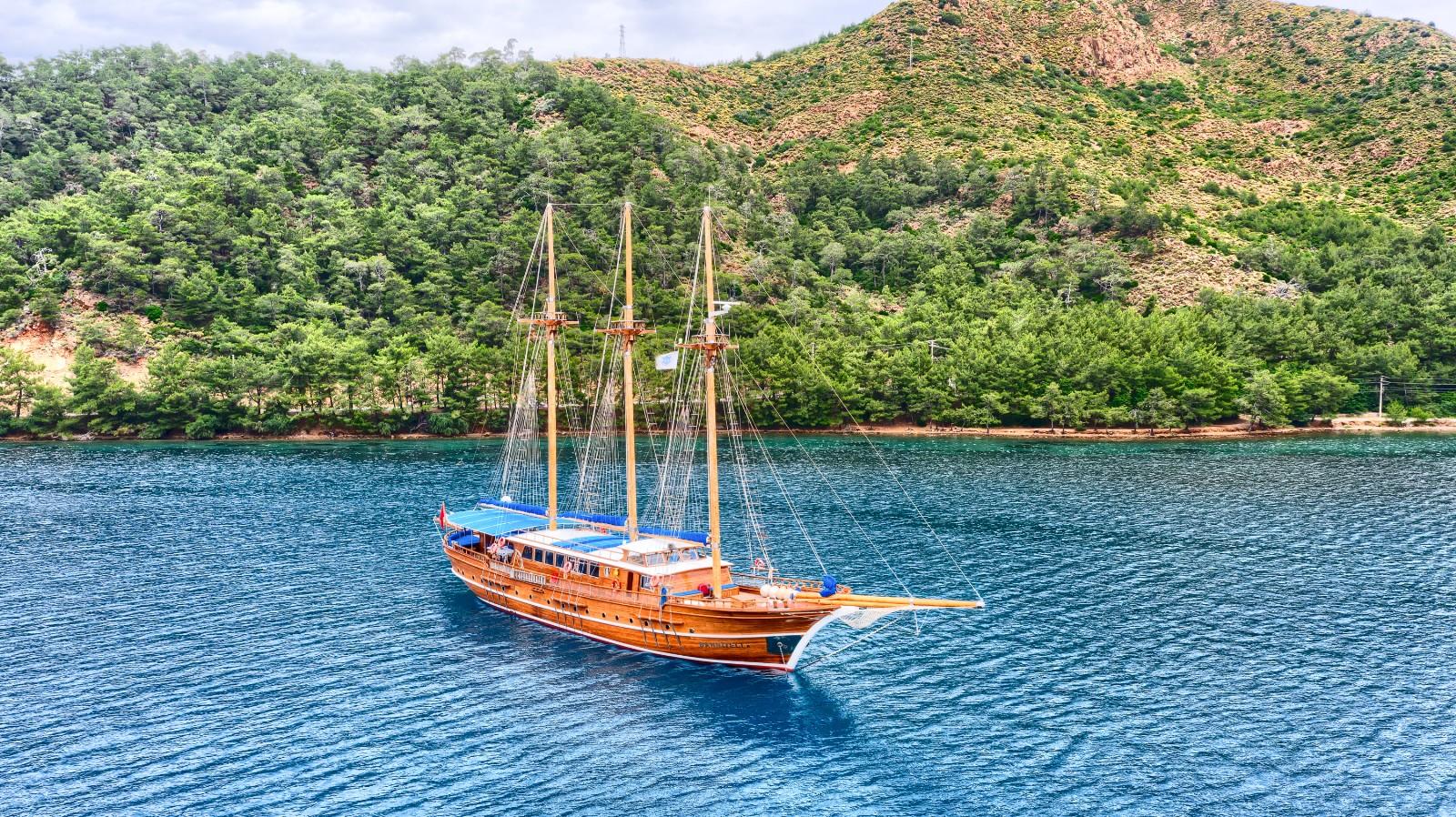 Bahriyeli (B and C) - Barge/Boat for Bike Tours
