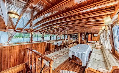 Dining on Bahriyeli | Bike & Boat Tours