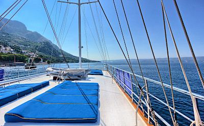 Sun Deck - Romantica | Bike & Boat Tours