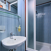 Cabin Bathroom - San Snova | Bike & Boat Tours
