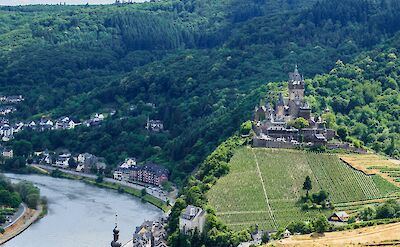 Reichsburg Castle & vineyards along the Mosel River in Cochem, Germany. Flickr:Frans Berkelaar