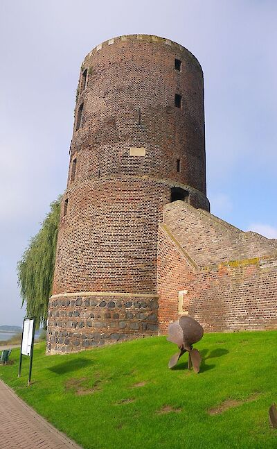 Mühlenturm Tower at the medieval wall in Reese, Germany. CC:Volker1978