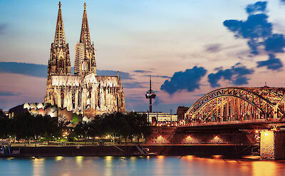 Cologne Cathedral & Hohenzollern Bridge in Germany. Flickr:Jiuguangwang
