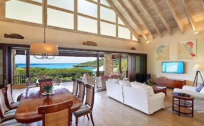 Villa 1 Living 1