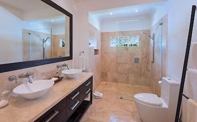 Ixora Aug Bath 2 Big