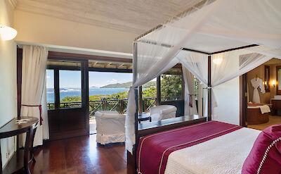 New Shoot Big Blue Ocean Master Bedroom With View 2