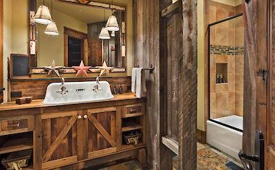 Gml Bunkroom Bath Hires