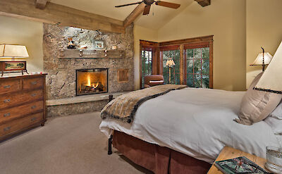 Gml Queen Bedroom 3 Hires