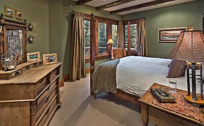 Gml 1 St Floor Bedroom Hires