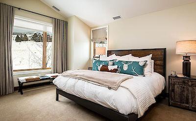 Cas King Bedroom 2 Hires