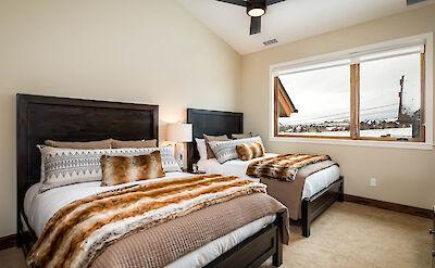 Cas Upper Queen Bedroom 2 Hires