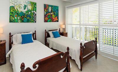 De B 1 F Twin Bedroom