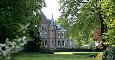 Huge country estate in Rhenen, Utrecht, the Netherlands. Wikimedia Commons:hg