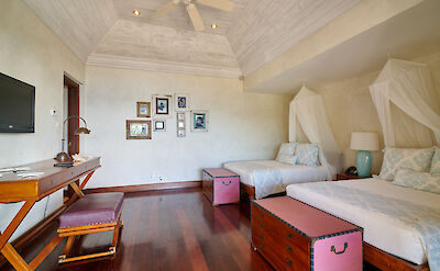 New Shoot Beach House Bedroom With Two Beds