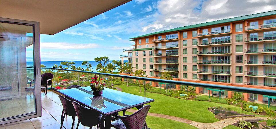Hk Lanai Table View
